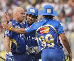 ipl 2019 final: mumbai indians beat chennai super kings by 1 run to win unprecedented 4th ipl title