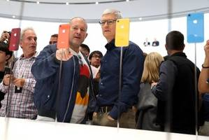 9 reasons you should buy the iphone xr instead of an iphone xs or xs max (aapl)