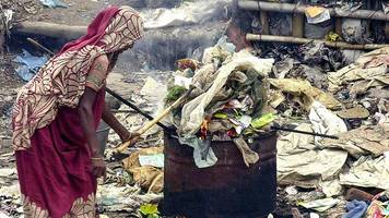 Plastic pollution 'killing one person every 30 seconds'