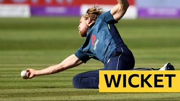 england v pakistan: david willey takes 'fabulous' return catch to dismiss shaheen afridi