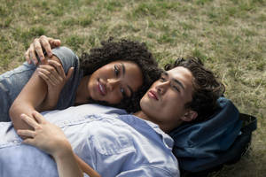 'The Sun Is Also a Star' Film Review: Star-Crossed Teen Romance Offers Plenty to Like, But Never Earns Love