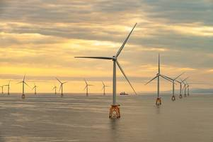 siemens gamesa completes hull blade order for scotland's biggest wind farm