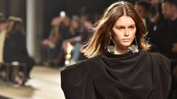 kering fashion houses to stop hiring models under 18