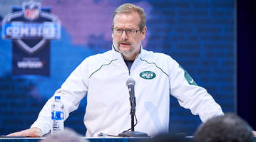 jets tumbling in a downward spiral after firing gm mike maccagnan