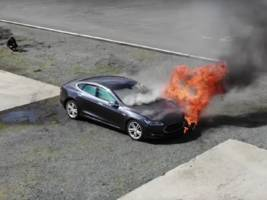 Tesla is updating its battery software after 2 seemingly spontaneous fires (TSLA)