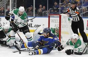 Stars defenseman Lindell signs new $34.8M, 6-year contract