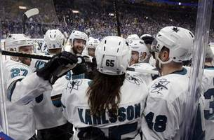 Karlsson, Sharks beat Blues 5-4 after controversial no-call