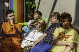 playing house dazzle with colourful new single 'not good'