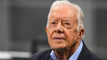 Jimmy Carter released from hospital after breaking hip