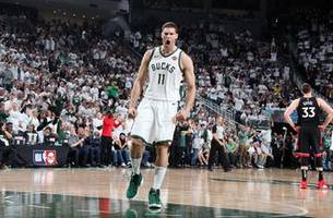 Bucks rally to top Raptors in Game 1 of Eastern Conference finals