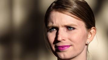 chelsea manning ordered back to jail after refusing to testify