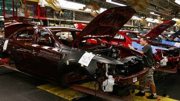trump delays decision on tariffs for imported vehicles and auto parts