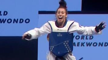 'the crowd may boo but bianca couldn't care less' - watch gb's walkden claim world title
