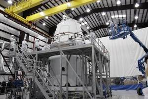 nasa selects spacex, blue origin, more to build next human lunar lander