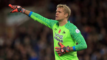 jonas lossl holds talks with everton chiefs ahead of free transfer from huddersfield town