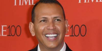 Alex Rodriguez may have a tough time pursuing legal action over viral toilet pic