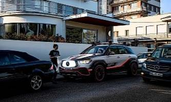 2019 mercedes-benz esf spawns a small robot to warn others of an incident ahead