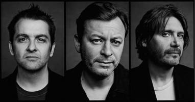 live report: manic street preachers - shepherd's bush empire, london