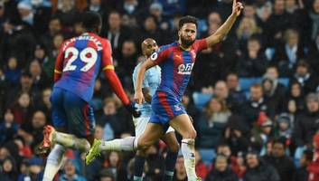 andros townsend wins premier league goal of the season award for screamer against man city