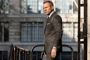 daniel craig to undergo ankle surgery for injury sustained while filming 'james bond 25'