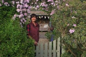 bath woman reveals how gardening helped saved her from depression