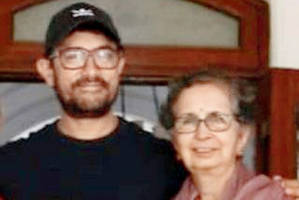 aamir khan hosts party for mother-in-law's 75th birthday
