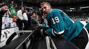 joe thornton came up short in stanley cup pursuit and now his hockey future is uncertain
