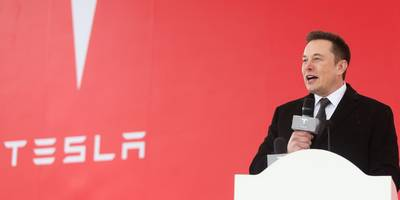 Elon Musk tells Tesla employees in leaked email that customer demand is still high, despite the stock crashing in recent weeks (TSLA)