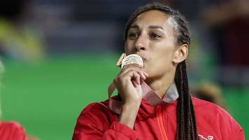netball world cup 2019: tracey neville names england roses squad