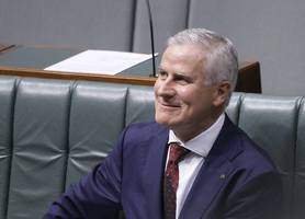 australian deputy pm re-elected after conservative coalition holds power