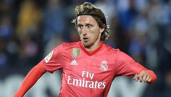 luka modric to sign contract extension despite real madrid plans for squad overhaul