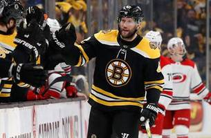 Bruins' Backes faces his old Blues buddies on hockey's biggest stage