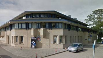 colchester officers cleared over cell toilet finger severing
