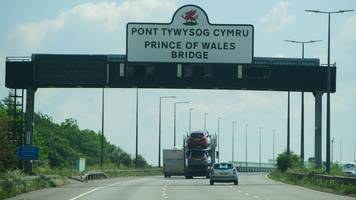 new m4 prince of wales bridge signs attract criticism