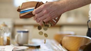 isle of man voluntary living wage rises to £9.76