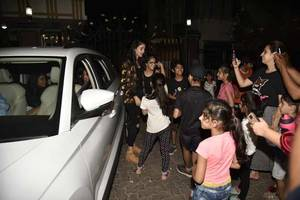 teen sensation ananya panday swamped by her cutest fans