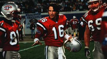 'the replacements' is both a bad football movie and a bad romantic comedy