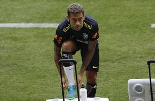 neymar arrives at brazil camp ahead of copa america