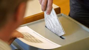 Final voting under way in European elections