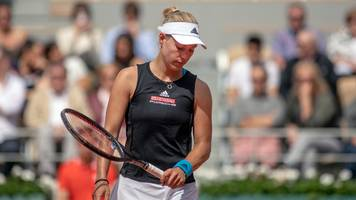 fifth-seeded angelique kerber upset in first round of french open