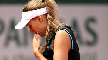 french open: caroline wozniacki knocked out in first round