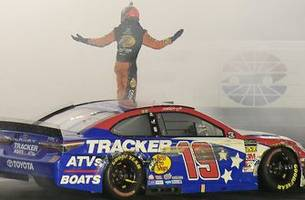 winner's weekend: martin truex jr. and cole pearn at charlotte motor speedway