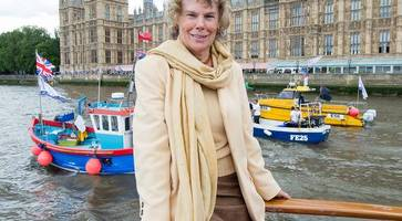 labour urged to ditch hoey along with spin doctor campbell