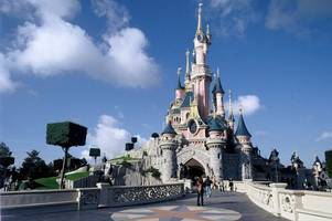 disneyland paris is hiring princesses and princes from across the uk