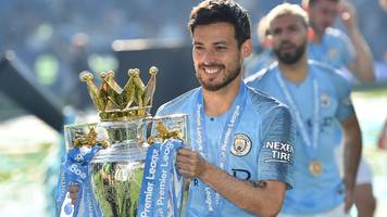 david silva: man city expect midfielder to stay at etihad stadium