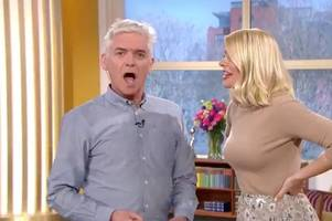 holly willoughby fans demand she wears 'sexier dress' after slamming this morning outfit