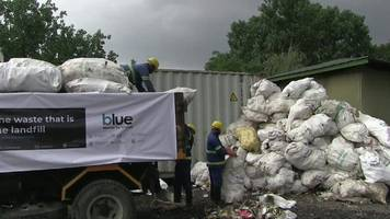 mount everest: 11 tonnes of rubbish cleared