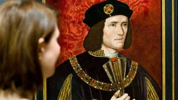 'odd' richard iii portrait 'coming home' to leicester