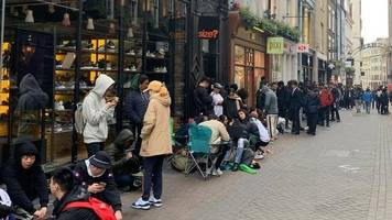 yeezys: thousands queue through night for kanye west trainers