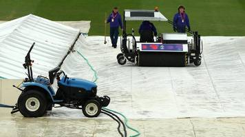 Cricket World Cup: Pakistan v Sri Lanka delayed by rain